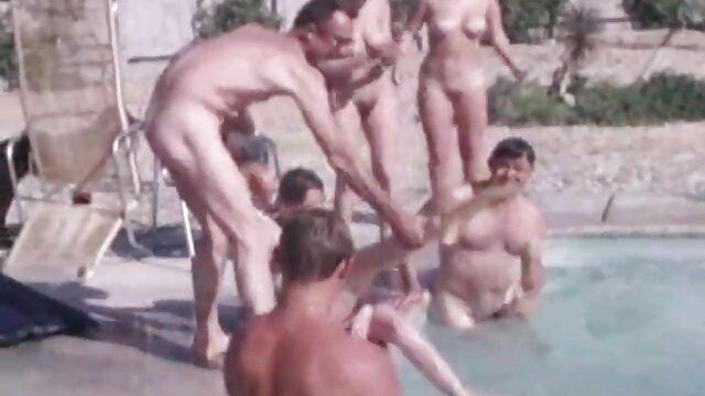 Sehr Riskant Turnhalle Exposition, Exhibitionist zeigt Schwanz und pornos von reifen frauen Arsch