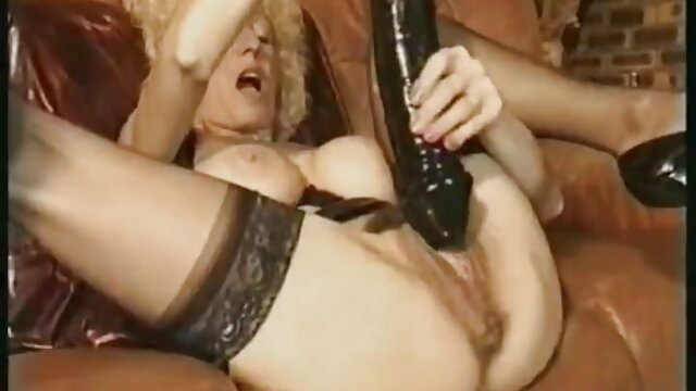 Melinda pegging Ihr sub kostenlose pornos mit frauen ab 50 in den Arsch.