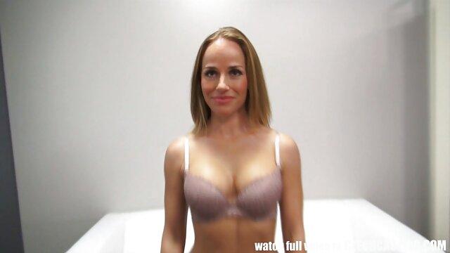 Heiße Frau Doppel Faust gefickt in Ihre alte frauen free porn gierige pussy, bis Sie spritzt