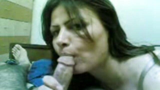 Hermosa Estudiante cogiendo con pornos mit frauen ab 40 su Profesor para subir Calificaciones