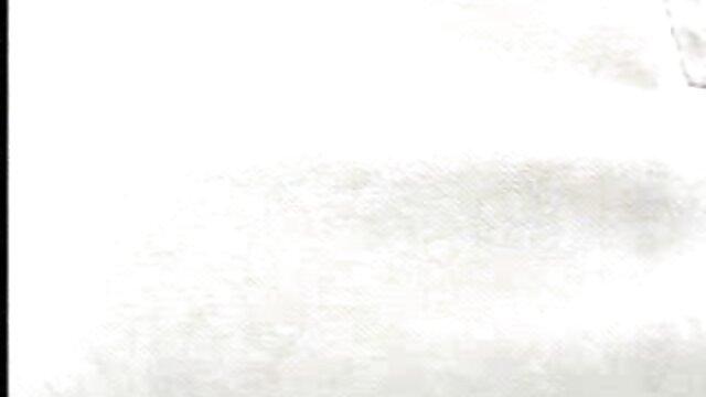 Big Titted Redhead masturbiert mit gratis pornos von reifen frauen Dildo