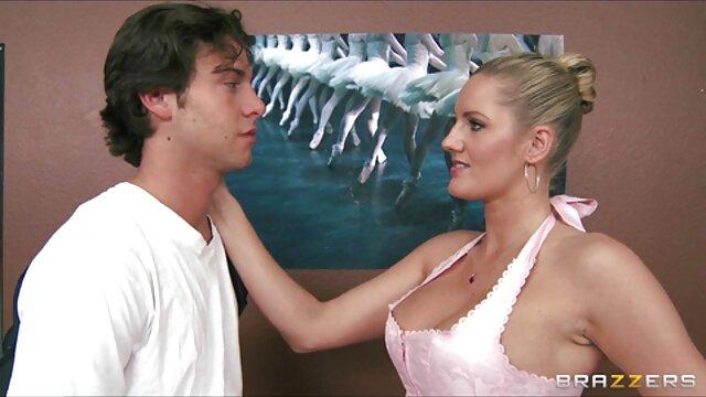 Mofos - Naughty Bekommt Einen Riesigen Schwanz In reife schlampen porn Ihre Muschi & Mund