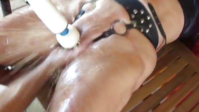 Nackt Frechen Brunette ü50 pornos Babe ' s Schwanz!