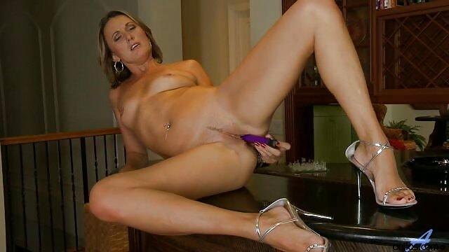 blu meree pornos mit älteren schlucken bbc pussy gefickt