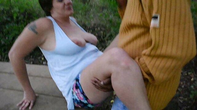 Zwei Löcher reife fraun porn für einen großen Schwanz