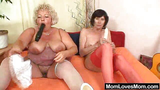 Meine süße Stieftochter Msnovember zwinkert ihrem Schließmuskel im gratis alte pornos Freien zu und spreizt ihren Shitter mit Monster Hooters und Areolas auseinander