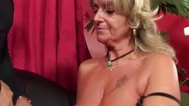 Eine harte akrobatische Position für diejenigen, die eine kostenlose porno filme mit reifen frauen Herausforderung lieben