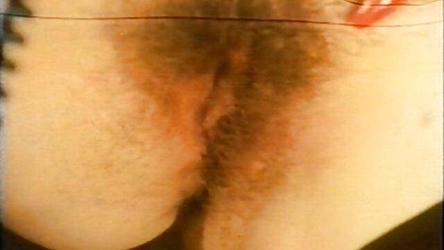 Riesendildo frauen ab 40 porn fickt enge Muschi