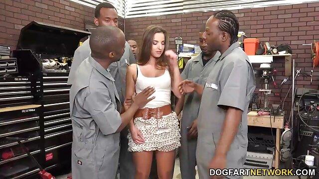 AGEDLOVE Geile Reife Dame bekam eine chance reife mom porn zu ficken handy guy