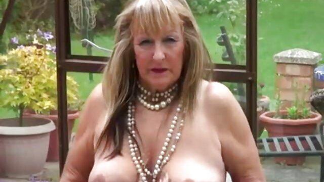 PornDoePedia-Geile britische Schlampe Hardcore Sex Tutorial frauen ab 40 porn zum Dirty Talk - VIPSEXVAULT
